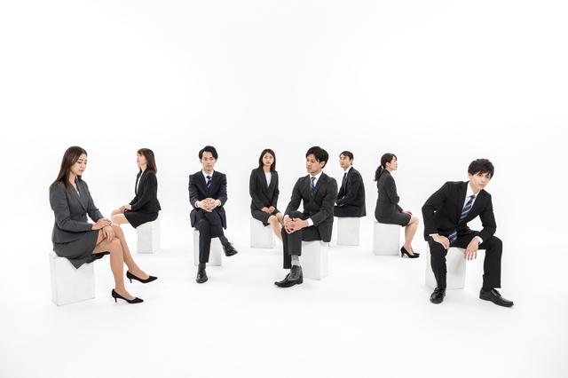 会社員はみんな同じじゃない!年収は業種や規模でこんなに違う